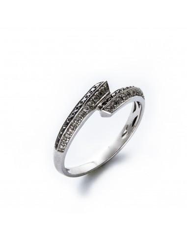 MD 023 Inel aur alb cu diamante albe si negre